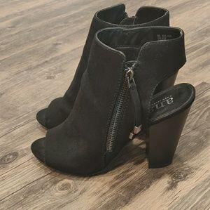 Ana black heels👢 in size 8 👡